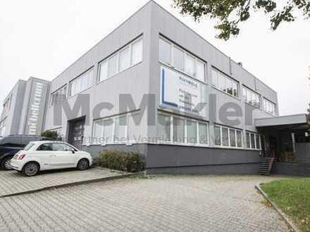Attraktives Wohn- und Geschäftshaus im Gewerbegebiet in Schönaich - 3 Gewerbe- und 2 Wohneinheiten!
