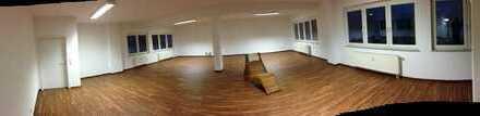 Schöne Räume für Ihr Studio, Büro oder eine Praxis im Gewerbemischgebiet Nähe Kärcher, Obi, etc.