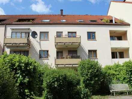 Schöne Wohnung in Pfersee, 58 qm, Balkon und EBK