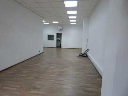 Ladenlokal/Büroraum in super Lage zu vermieten