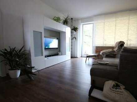 Sanierte 3-Zimmer Wohnung - Balkon - WG-geeignet - offener Wohn-/Küchenbereich