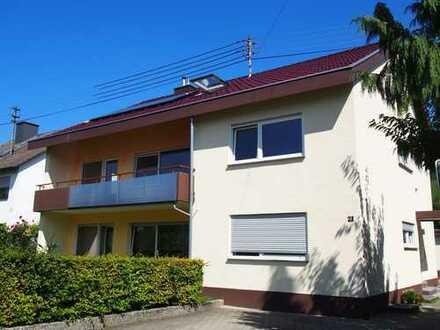 Neuwertige 5-Zimmer-Wohnung mit Balkon und EBK in Metzingen