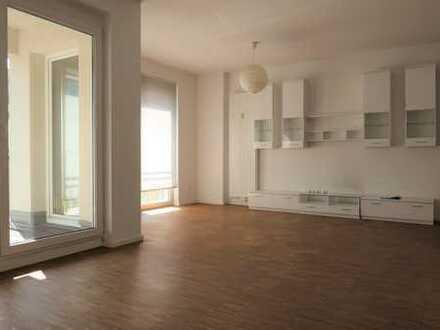 Urbanes wohnen in zentraler Lage - gemütliche 2 Zimmer mit Parkett und großer Loggia