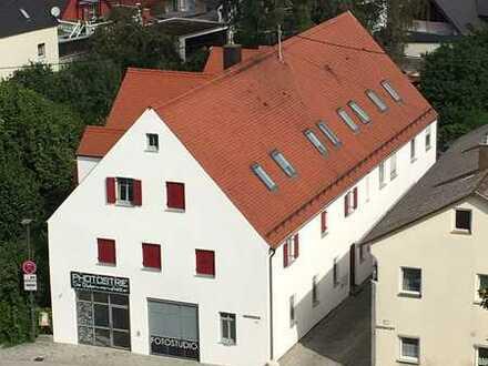 Gepflegte 4-Zimmer-Wohnung mit Balkon und EBK in Höchstädt an der Donau