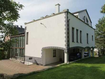 Meisterlich: Ein - bis Zweifamilienhaus in Top-Form...