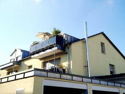 Außergewöhnliche Studio-DG-Wohnung im Herzen von Gersthofen