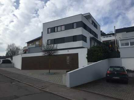 Exklusive 4-Zimmer-Maisonette-Wohnung (2 Zi. offen) mit Terrasse und EBK in Stuttgart Vaihingen