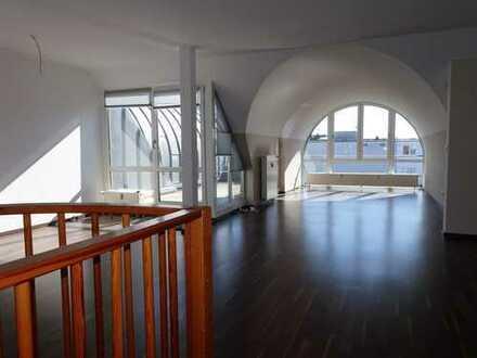 4 Zi. DG-Maisonette-Wohnung mit Dachterrasse, zentral und ruhig gelegen