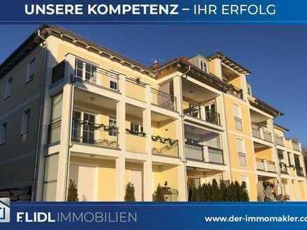 Exklusive 3-Zimmer-ETW in 8-Fam.-Haus mit 2 Balkonen