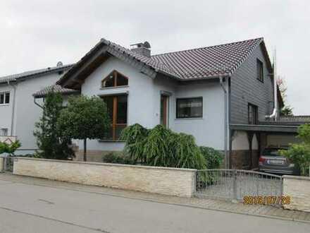 Schönes Haus mit fünf Zimmern in Bergstraße (Kreis), Groß-Rohrheim