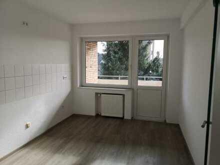 *** Helle und gut geschnittene 3-Zimmer Wohnung in Lank ***