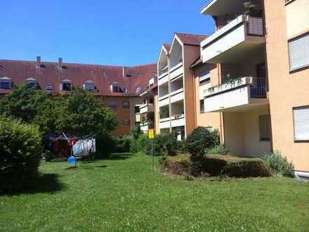 schöne, helle, gut geschnittene, 3-Zimmer-DG-Wohnung