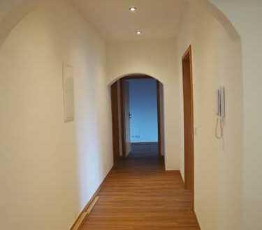 Erstbezug nach Sanierung mit Balkon: schöne 4-Zimmer-Wohnung in Neuburg an der Donau
