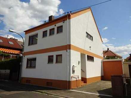 Charmantes Einfamilienhaus mit Garage!