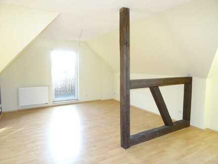 *Renovierte 2 Raum- WE mit Balkon und Vollbad* - nach Gebäudesanierung