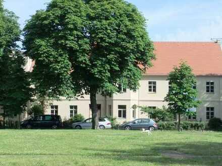 """""""Tours de Magistrat"""": Komfortable 2-Zimmer-Wohnung mit großem Balkon zur Gartenseite"""