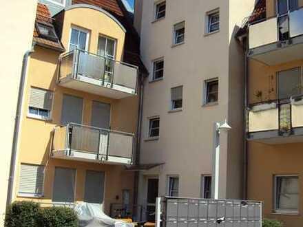 3 Zimmer Wohnung im Dachgeschoss inkl. Außenstellplatz, Balkon und Kellerraum