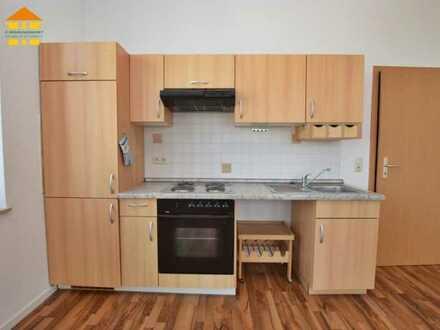 Super Single-Wohnung mit EBK und Balkon im Herzen von Burgstädt!