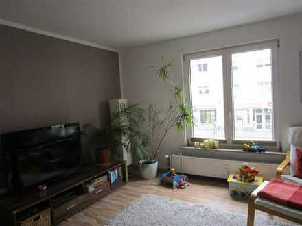 """Wohnen am """"grünen Hof""""! Schön geschnittene 4 Zimmer Wohnung in Weidenpesch mit Balkon"""
