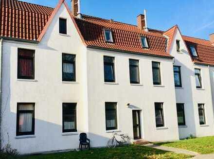 Nördliche Stadtmitte: Renovierte 3-Zimmer-Wohnung mit EBK