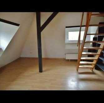schöne 2 Zimmer Wohnung mit Dachterrasse