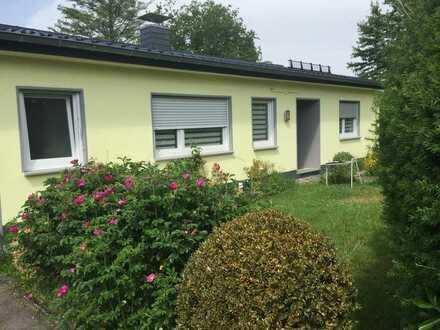 Ruhig, im Grünen gelegene Erdgeschosswohnung in Reichshof-Br.