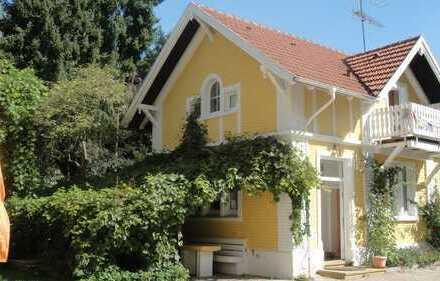 Haus in parkähnlichem Anwesen