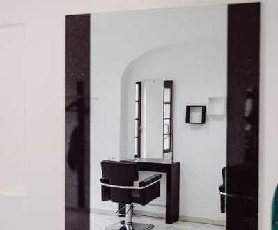 Heller Salon in renoviertem Fachwerkhaus in ruhiger, aber sehr zentraler Altstadtlage