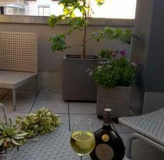 Kleines Penthouse mit grosser Dachterasse - Modern, Gemütlich, Zentral