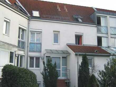KA-Grötzingen / tolles & gepflegtes Reihenhaus mit attraktivem Raumkonzept, EBK, Garten und TG-Platz