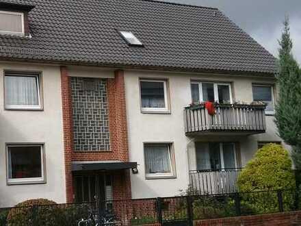 Helle, 3 Zi Whg, 1 OG, ca. 64 qm, Duschbad, Balkon.