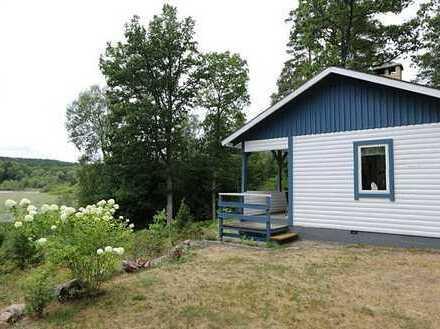 Gepflegtes Ferienhaus mit erhöhter Lage am Jönstorpasjön