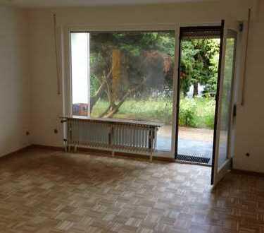 Exklusive, sanierte 2-Zimmer-Erdgeschosswohnung mit Terrasse/Garten/Pkw Stellplatz in Heusenstamm