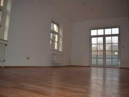 großzügige 2 Zimmer Wohnung im Niederort