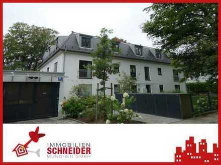 IMMOBILIEN SCHNEIDER -Neuwertige, traumhaft schöne 3 Zimmer DG Wohnung mit EBK und Terrasse