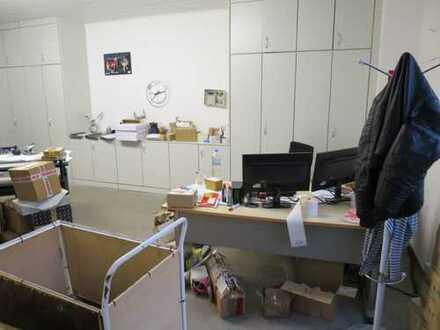 *** zentrale Lage - geeignet für Büro, Praxis, Versand, Lager ***