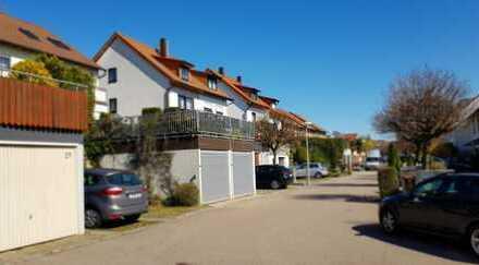 Schöne, gepflegte Doppelhaushälfte mit Erker und toller Sonnenterrasse in Stuttgart - Stammheim