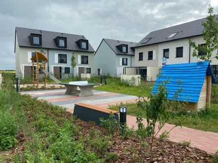 IMMOBERLIN.DE - Lichtdurchflutete Doppelhaushälfte für den Ersteinzug