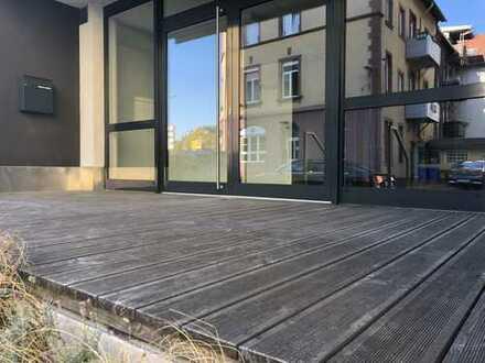 Ideal als Bar, Bistro, Lounge, Café: 132 qm im Erdgeschoss mit Terrasse, 2 Stellpl., zentrale Lage