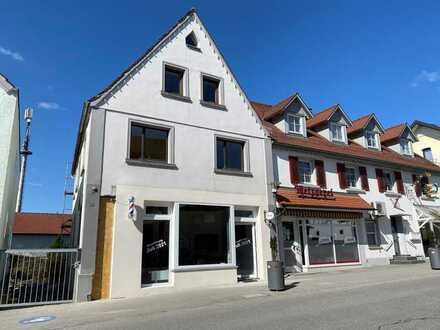 Barbiergeschäft im Schönen Haus mit einer sechs Zimmerwohnung in Bad Schussenried