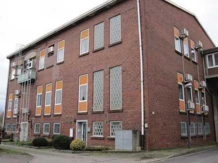 Büro/Gewerbegebäude im Gewerbepark, 1.186,84 m² Gewf. + 91,18 m² Wohnfl. + 2.067 m² Kaufgrundstück.
