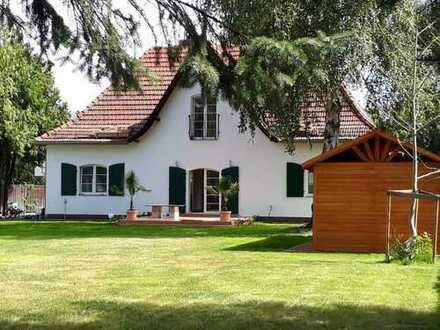 Einmalig schönes Haus auf grosszügigem Grundstück in Mahlow zu vermieten