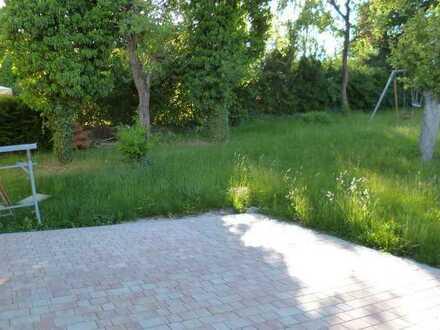 Schick renovierte 5Z Wohnung mit Balkon, Terrasse und Garten wartet auf Sie!