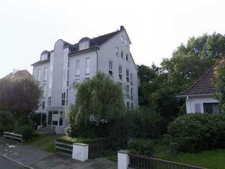 Ruhige, helle 1-Zimmer-Wohnung mit Gartenblick und Balkon im Geteviertel