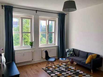 * Erstbezug nach Renovierung * Helle Wohnung mit neuer EBK und Möbeln im Herzen von F-hain