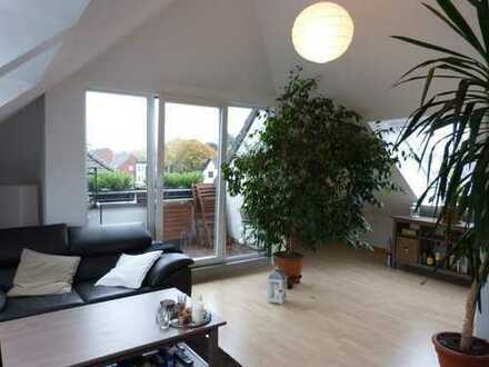 Helle und moderne 4-Zimmer-Maisonette-Wohnung mit Balkon im Kölner Norden nahe der Rheinauen!