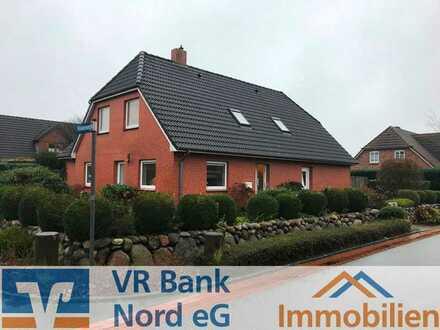 Vermietung einer renovierten 3-Zimmer Wohnung mit Loggia in Bahnhofsnähe