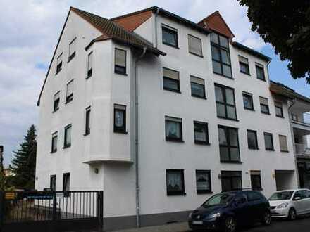 Helle Wohnung im 1. Obergeschoss mit Balkon