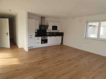 Stilvolle, neuwertige 2-Zimmer-Wohnung mit Terrasse und Einbauküche in Altensteig