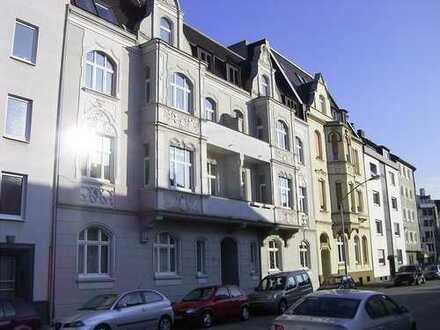 Liebevoll renovierte und modernisierte Altbauwohnung